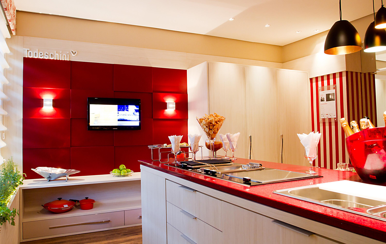 Tenha uma cozinha cheia de cor e estilo